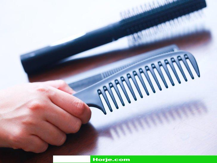 How to Comb Curly Hair