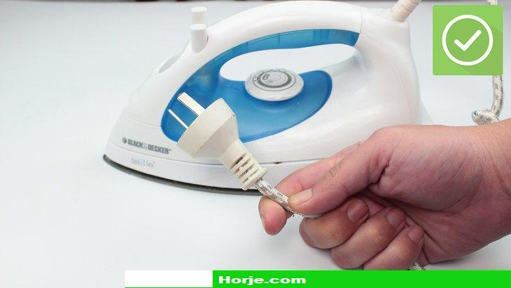 How to Clean an Iron with Vinegar